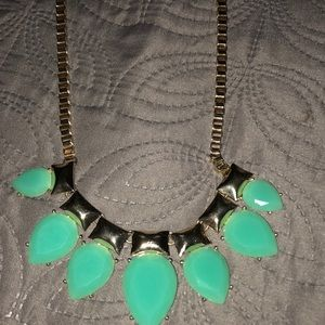 Jewelry - Bright green beauty